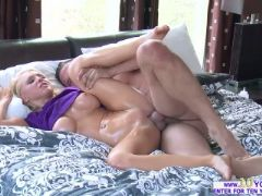 Blonde alix gets a wet and oily fuck after giving a massage