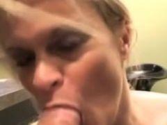 Slutty milf amazing deepthroat and gets fucked hard