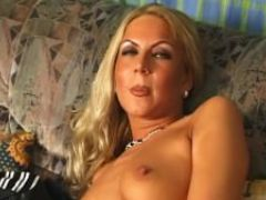 Blonde loves touching herself julia reaves