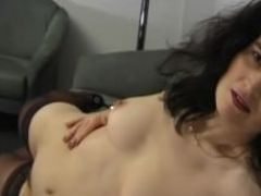 Mature brunette playing with herself julia reaves