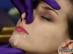 Kinky bombshell gets cumshot on her face gulping all the sperm