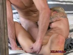 Mature hottie synthia fixx gets impaled by hung driver