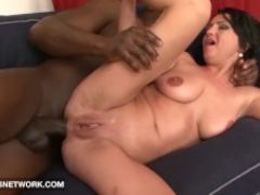 Cougar likes it black she wants deepthroat cumshot from big black cock