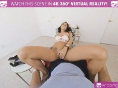 Vr porn wife caught her man with his pants down