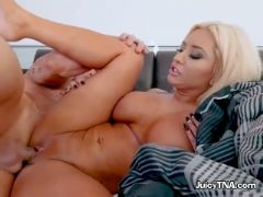Sexy chick brandi bae has her pussy drilled