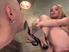 Mistress aiden star rides submissive man