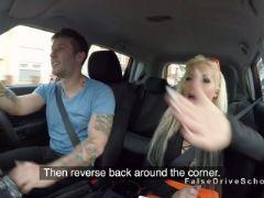 Dude gets blowjob in driving school