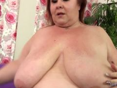 Massive milf lady lynn gobbles a thick penis and then takes it in her
