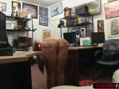 Layla london loves pawndudes big cock