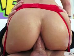 Hot blonde babe tiffany watson recieves a deep anal fuck