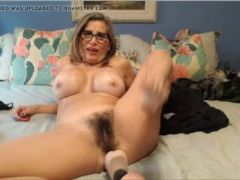 My hairy pussy latina mom find her on hornyz com