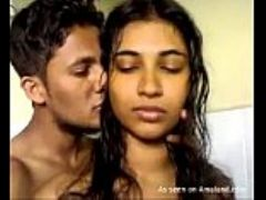 Indian babe gives a hot blowjob